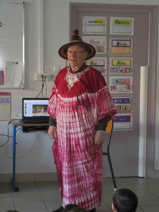 André a revêtu le costume traditionnel Burkinabé